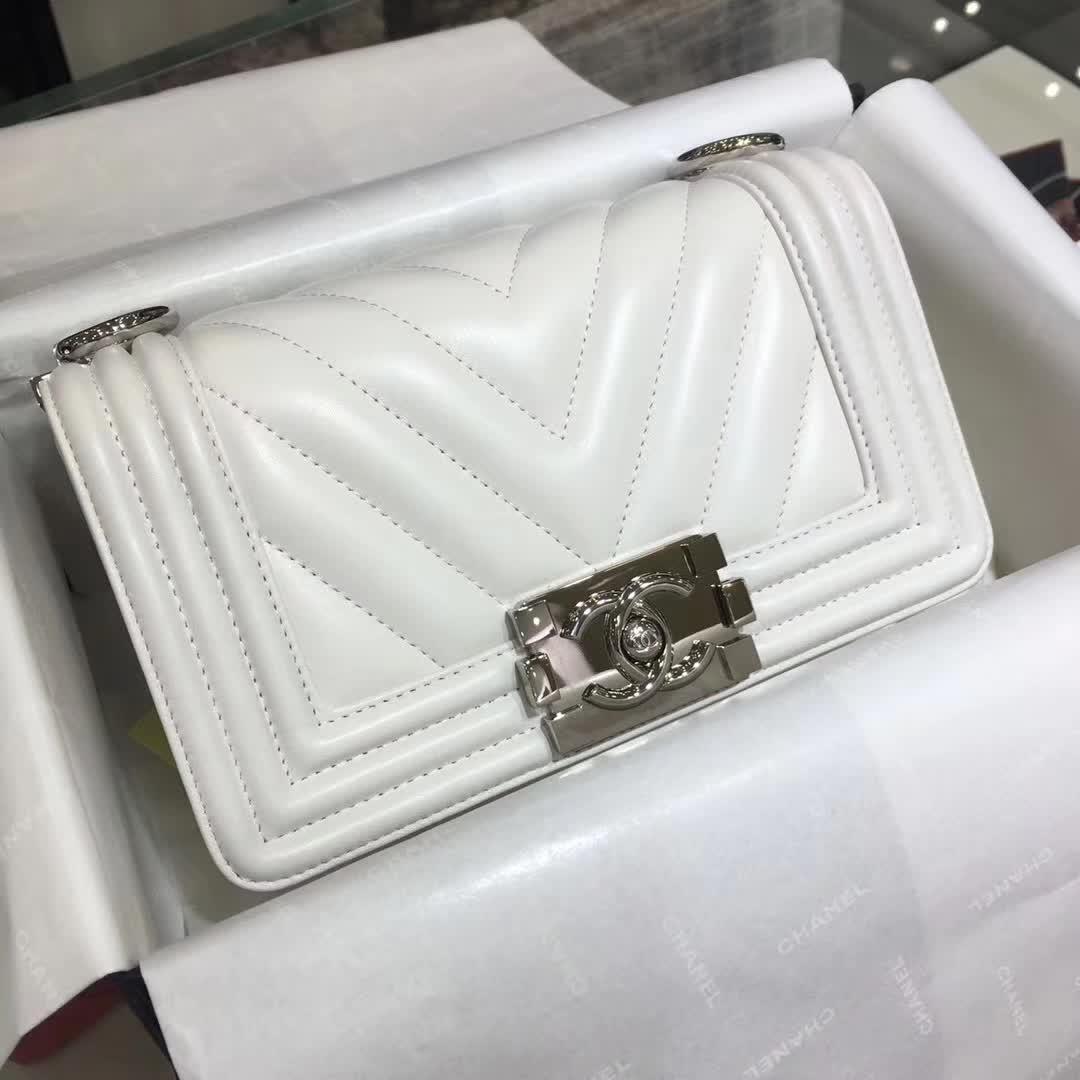 广州女包批发 CHANEL Leboy  明星同款 小羊皮 白色 20cm 银