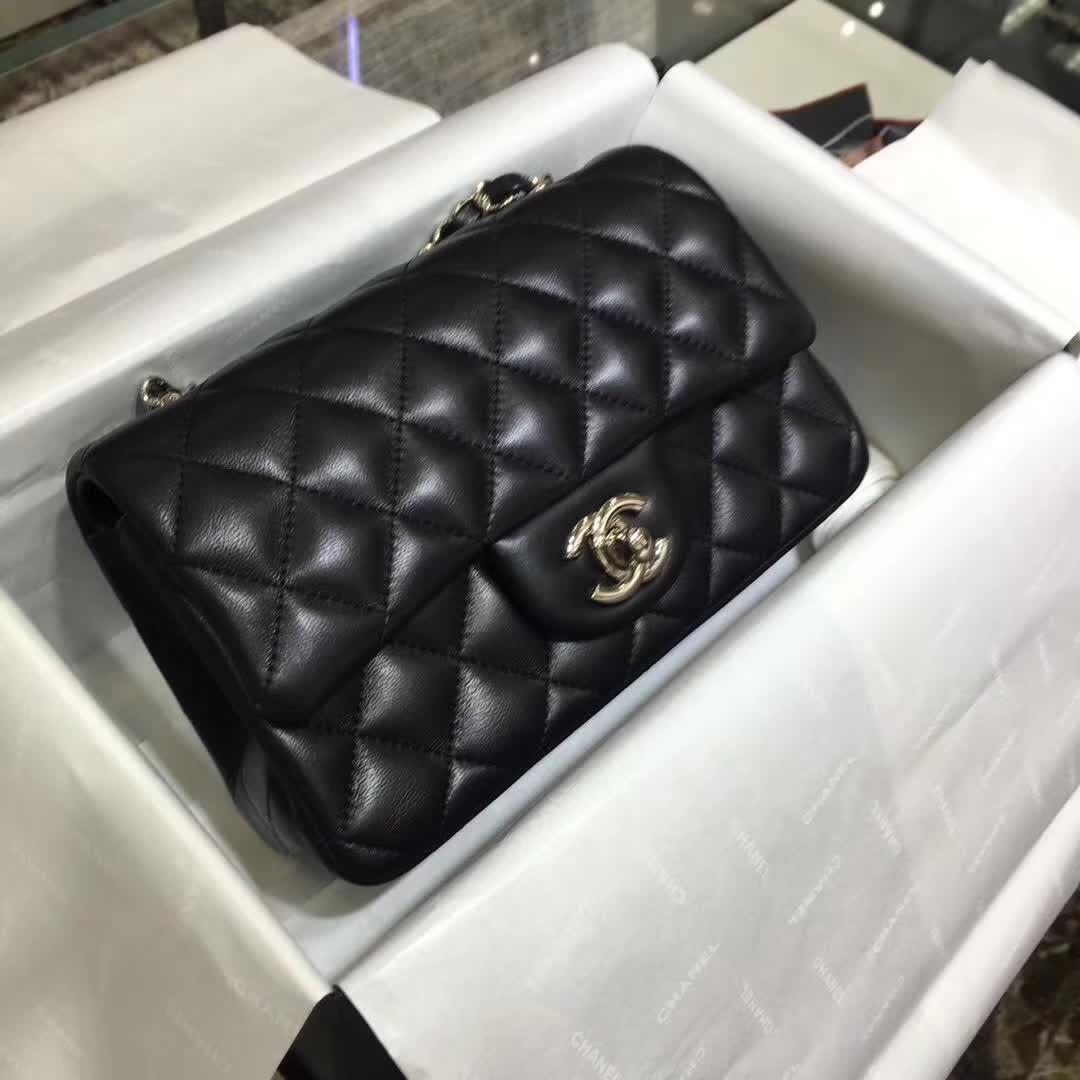 广州白云皮具城 Chanel Classic Flap 小羊皮 黑色 20cm 银五金