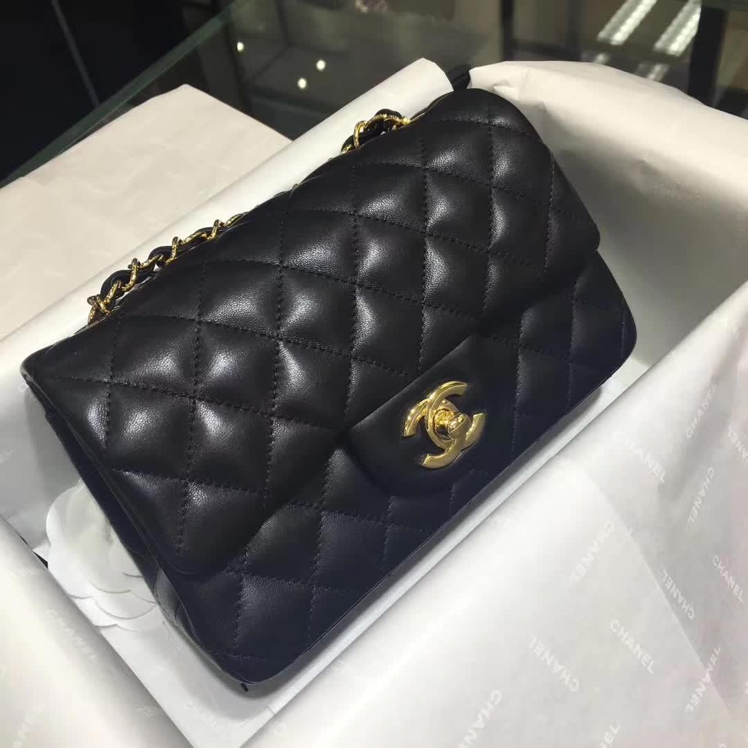 Chanel 香奈儿 ClassicFlap 小羊皮 黑色 20cm  金扣 诚招代理