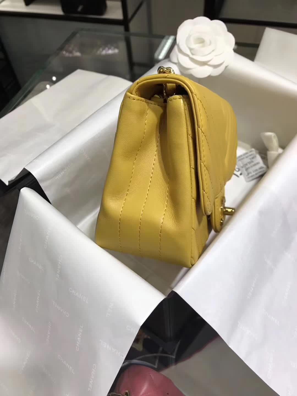 Chanel 香奈儿 ClassicFlap  VZ小羊皮 黄色 17cm  香槟金 预定