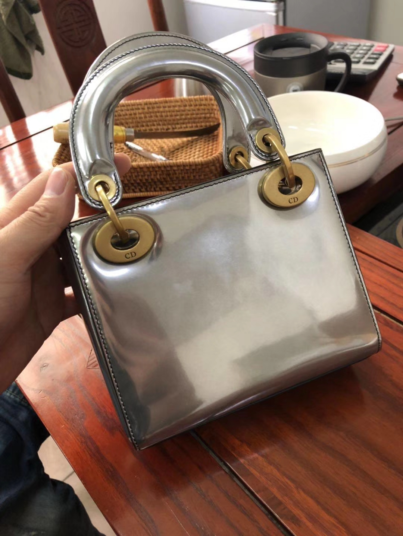 Dior 迪奥 戴妃包 Lady Dior 三格小羊皮戴妃 镜面 金属银色