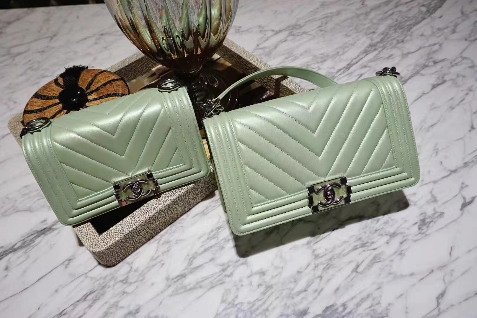 Chanel 香奈儿 Leboy系列 25cm 原厂小羊皮 珠光绿色 大理石纹琉璃五金