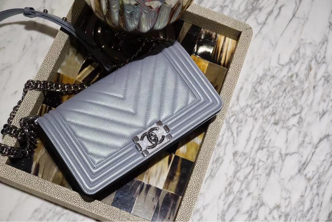 Chanel 香奈儿 Leboy系列 25cm 原厂树膏皮 黑色色 白银五金 V型