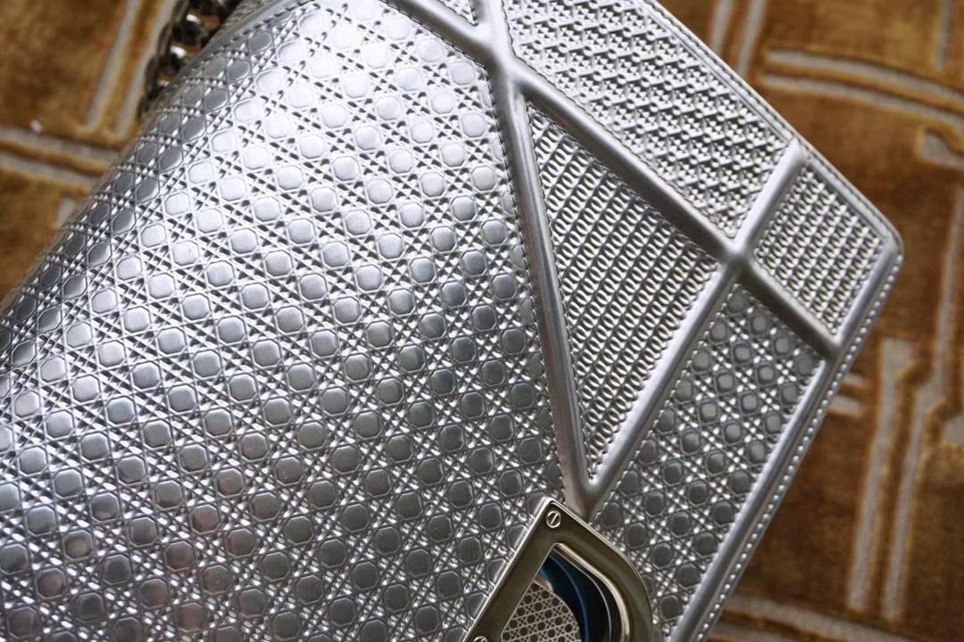 Dior 迪奥 腾格纹金属银 原厂正品皮 压花清晰 用过才知好