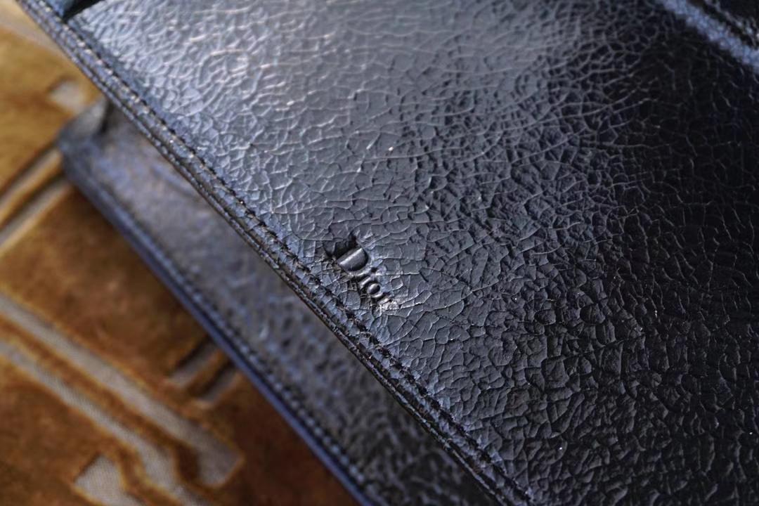 Dior 迪奥 黑色 鹿皮 爆裂纹 爆裂感十足   非常柔软 不会掉色掉皮
