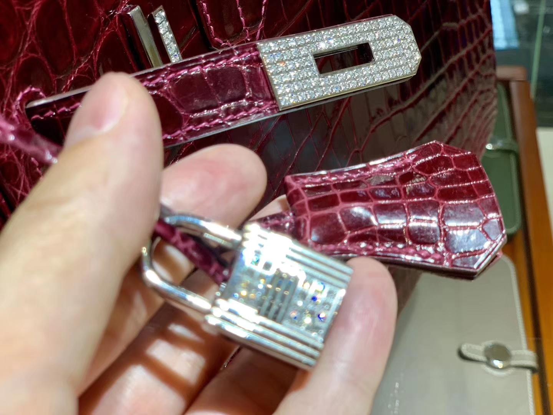 HERMES 爱马仕铂金包 Birkin 30cm 亮面鳄鱼皮 酒红色 带钻银扣
