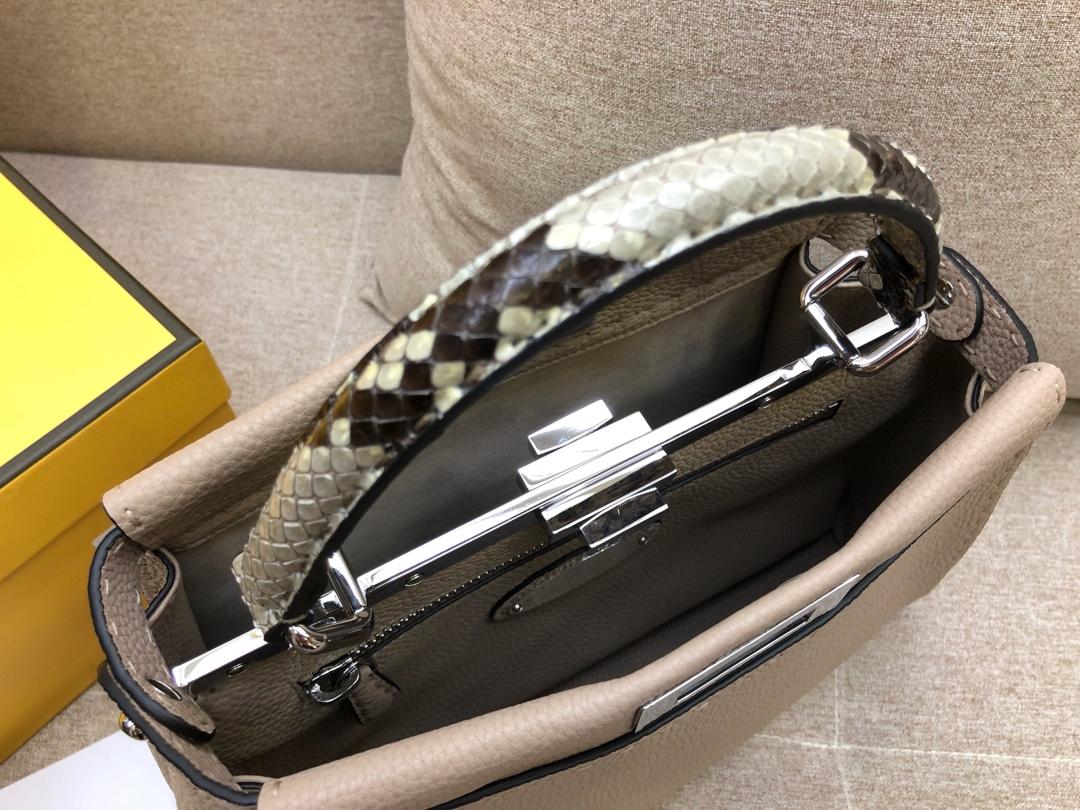 FENDI芬迪 peekaboo全钢五金 24k真空电镀进口小牛皮 米灰色 33.12.26cm8812
