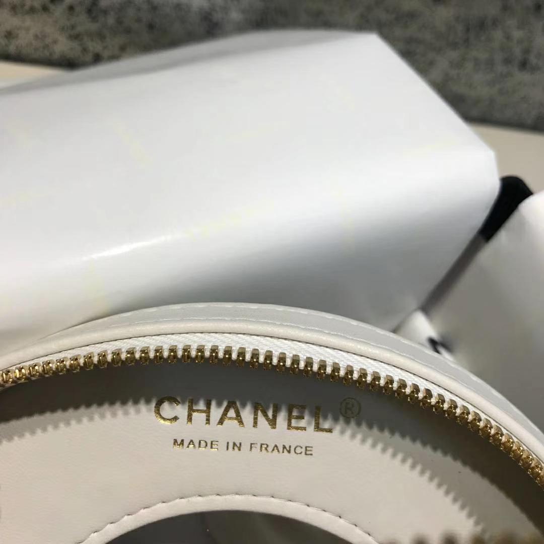 Chanel 早春度假系列 救生圈 小羊皮 拼色刺绣 17.5×6×17.5cm