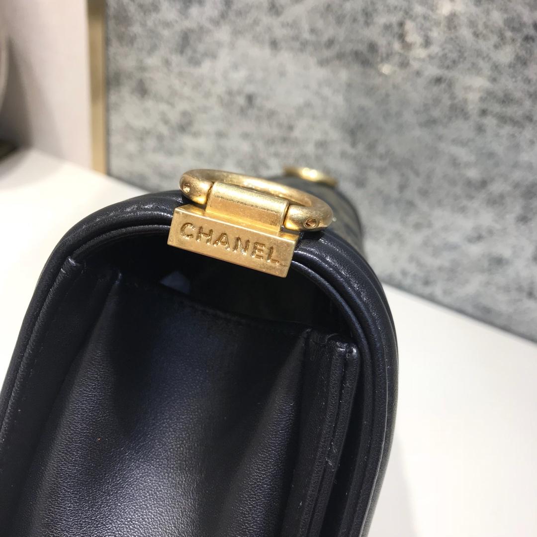 Chanel 香奈儿 Leboy 代购版本 25cm 进口羊皮 染彩金 磨砂金扣