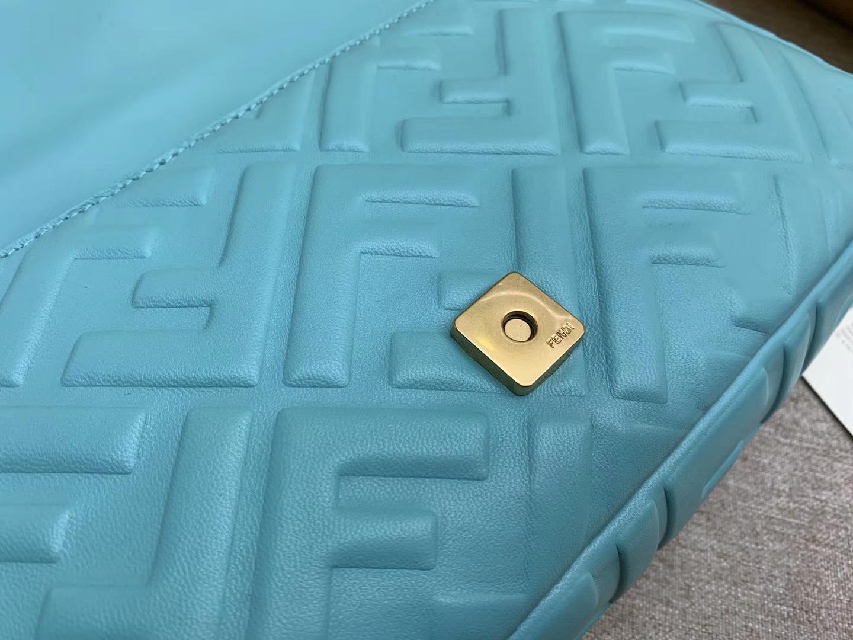 Fendi 芬迪 Baguette FF 浮雕系列 26x13x6cm 进口小羊皮 蓝色