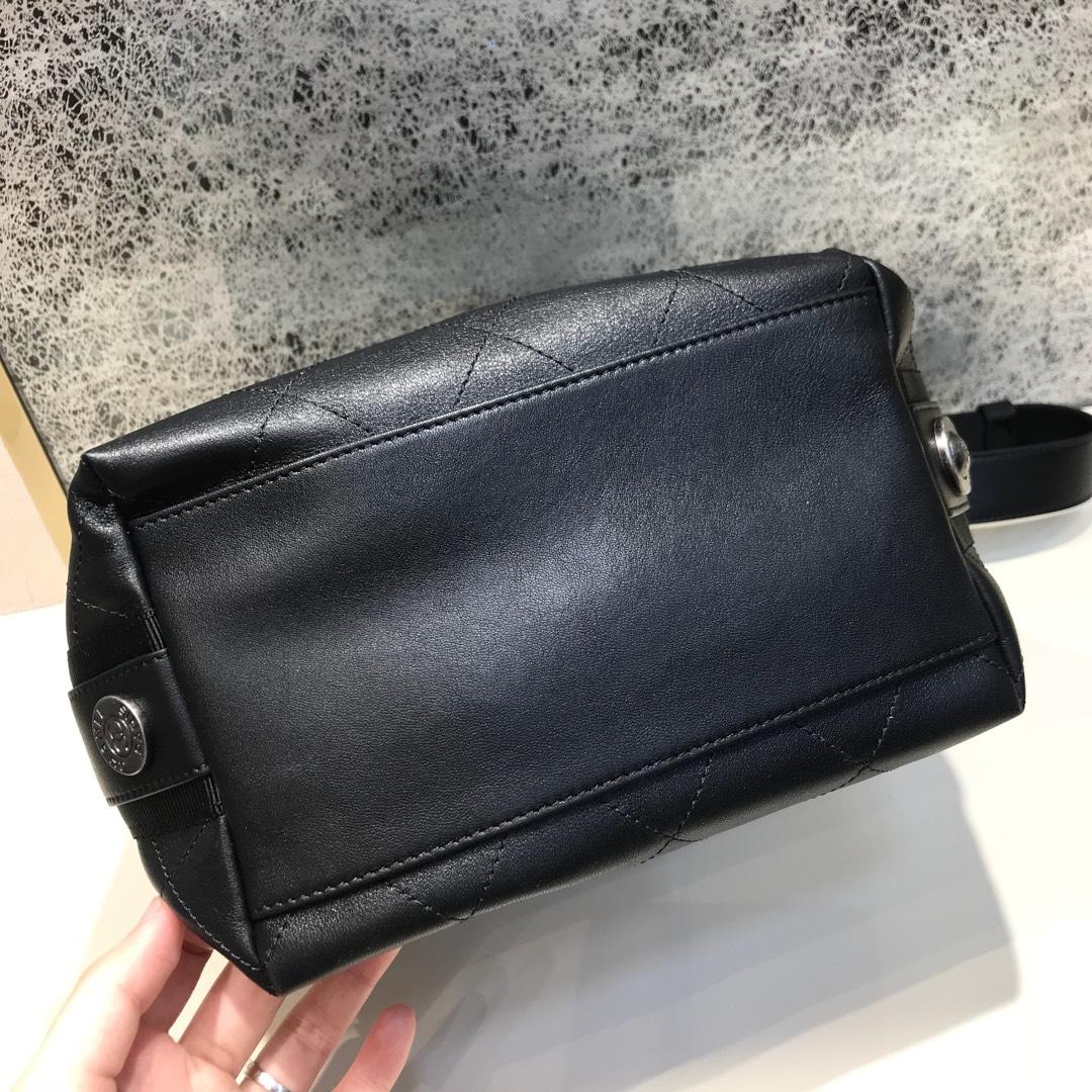 Chanel 香奈儿 Hobo bag 顶级代购版本 23cm 原厂小牛皮 全黑色