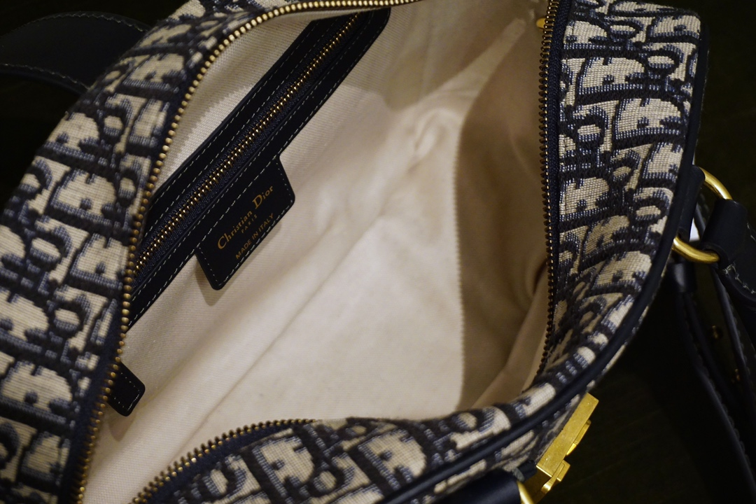 Dior 迪奥 经典帆布棒球包 28cm 可调节宽肩带设计 高清细节实拍