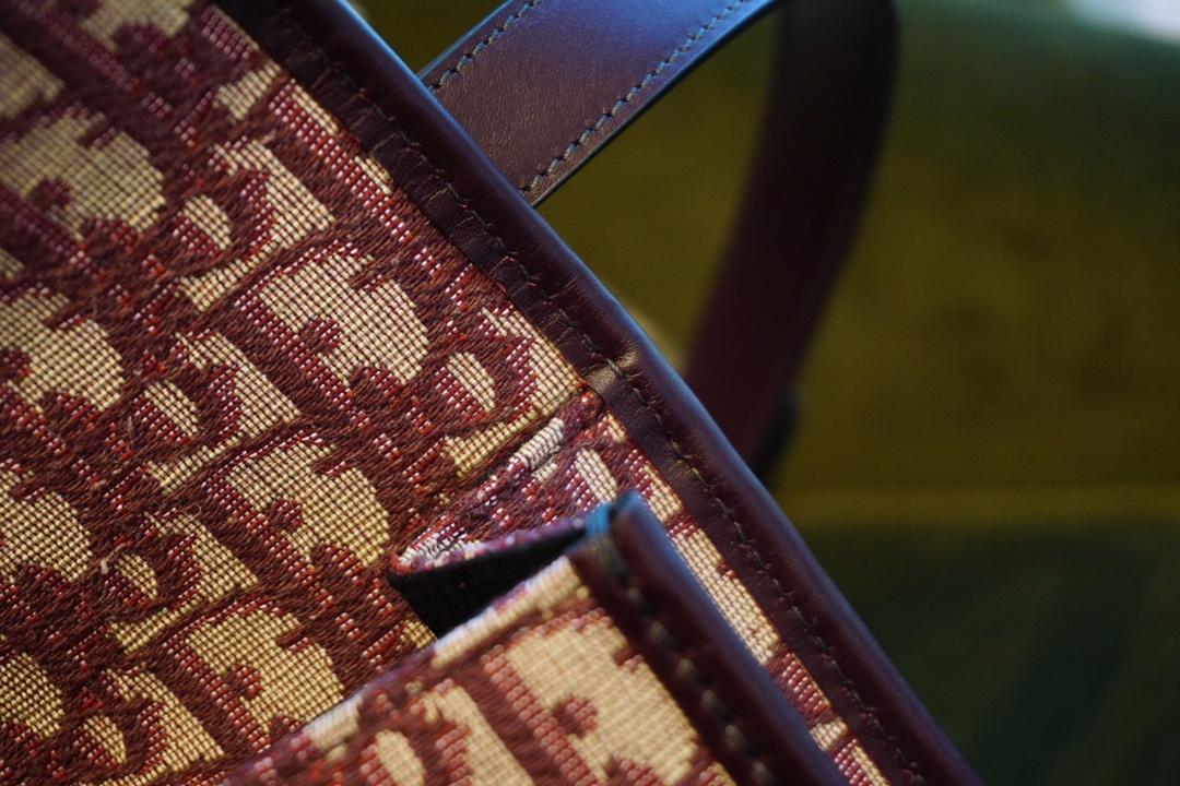 Dior 迪奥 蒙田30 Montaigne 布纹酒红 极具辨识度 时髦俏丽