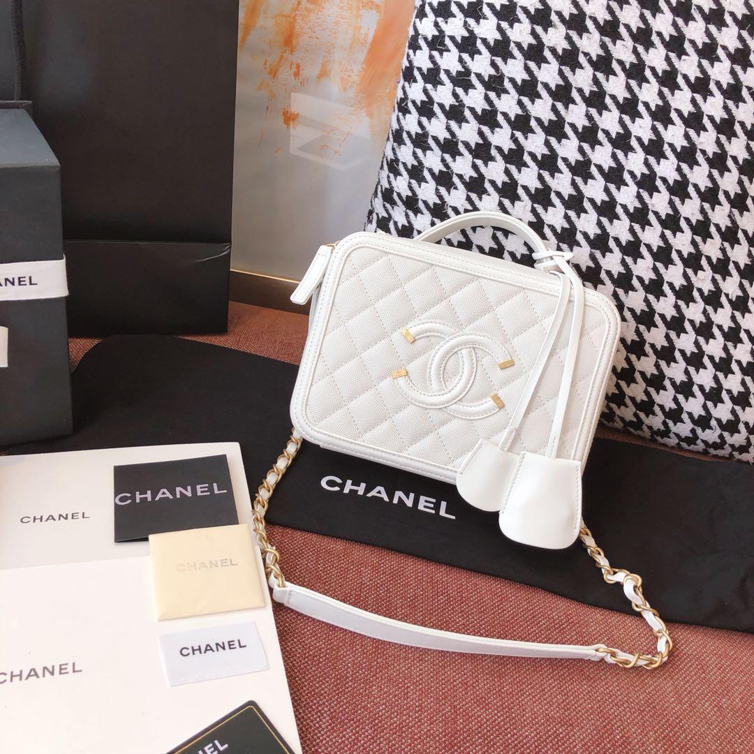 Chanel 香奈儿 化妆包 21cm 原厂皮小鱼子酱 奶白色