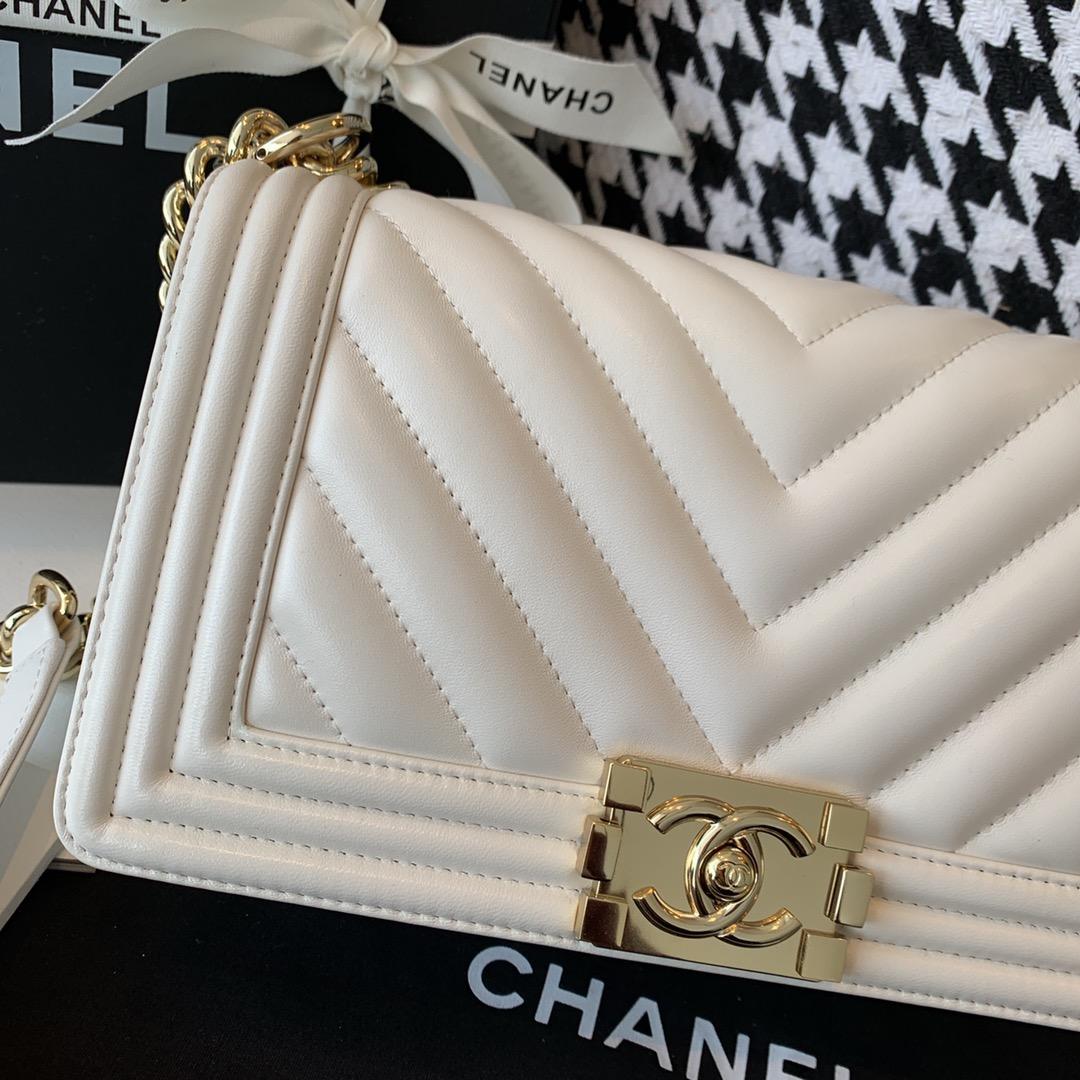 Chanel leboy  中号 法国原厂小羊皮 leboy V纹25cm 现货 白色浅金扣