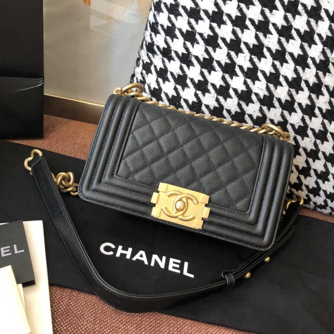【正品级】黑色 沙金 Chanel leboy  小号 法国原厂Haas小球纹鱼子酱牛皮 leboy 20cm