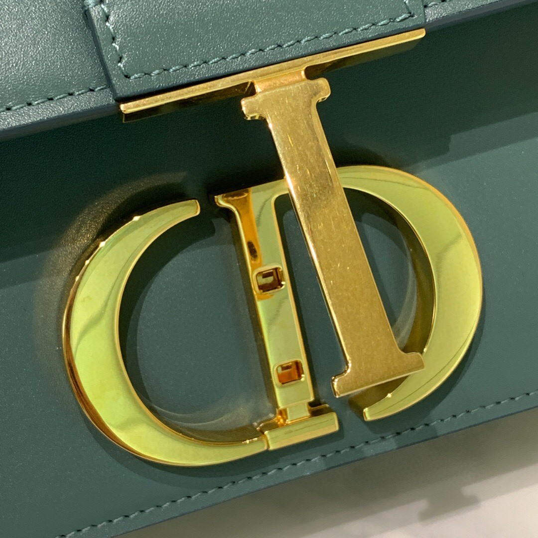 #Montaigne30#原工厂抹茶绿胎牛皮 24cm 纯铜五金表面电镀24k金 德国亚曼粗蜡线 每一个针孔都有特色花型