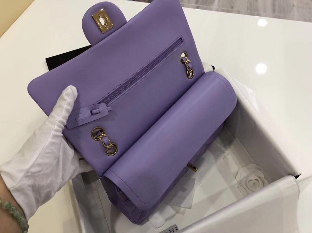 【真品级】原厂《Classic Flap》代购版本 25cm~原厂小羊皮~薰衣草紫~金扣 只有少量现货