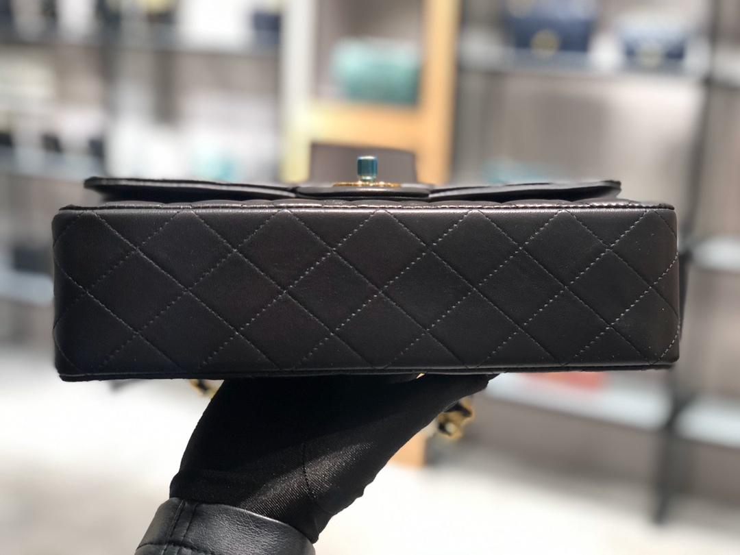 香奈儿价格【真品级】原厂《Classic Flap》代购版本 25cm~原厂小羊皮~黑色~金扣