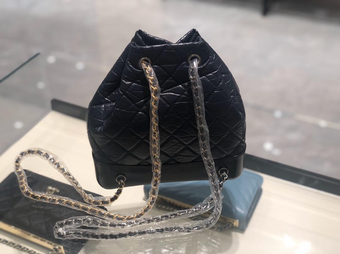 香奈儿女包批发《Gabrielle 背包款》代购版本树膏皮~蓝色~原厂皮~只有少量现货